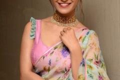 Ruhani-Sharma-new-photos-17