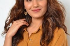 Ruhani-Sharma-new-photos-9