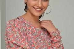Ruhani-Sharma-new-photos-11