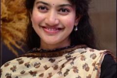 Sai-Pallavi-New-Photos-11