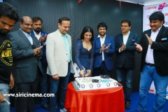Samantha-Launch-One-Plus-Mobile-At-Big-C-11