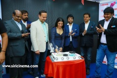 Samantha-Launch-One-Plus-Mobile-At-Big-C-12