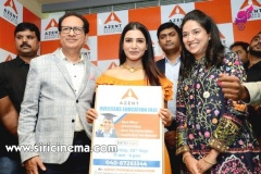 Samantha-launches-Azent-Overseas-education-center-Hyderabad-12