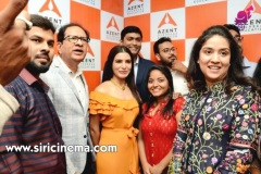 Samantha-launches-Azent-Overseas-education-center-Hyderabad-16