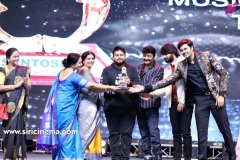 santosham-south-indian-film-awards-2019-16