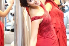 Shriya-Saran-New-Stills-11