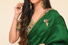Simrat-Kaur-New-Photos-13
