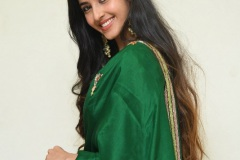 Simrat-Kaur-New-Photos-6