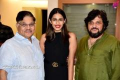 Stylish-Star-allu-arjun-Ace-Producer-Allu-Aravind-Hosted-a-Grand-Success-Party-Stills-2