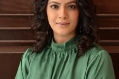 Varalaxmi-Sarathkumar-New-Photos-8