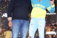 Vijay-Deverakonda-hosts-his-second-Rowdy-sundowner-party-14