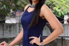 Viviya-Santh-New-photos-11