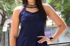 Viviya-Santh-New-photos-4