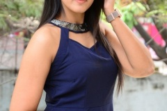 Viviya-Santh-New-photos-5