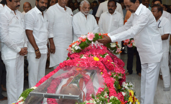 Chief Minister Sri K Chandrashekhar Rao paid homage to Former Union Minister Sri  Jaipal Reddy Late
