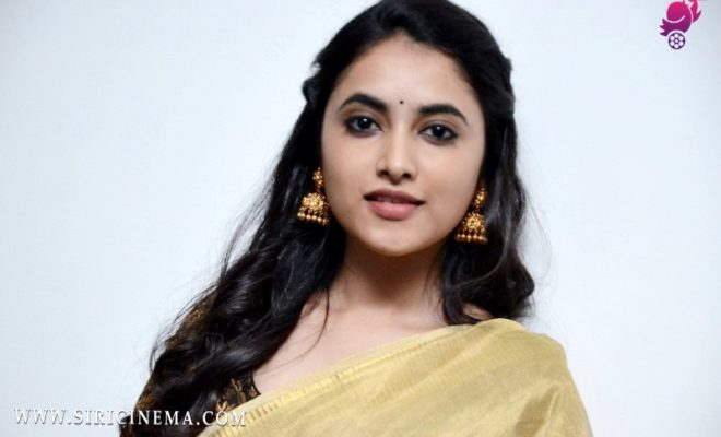 Priyanka Arul Mohan New Photos