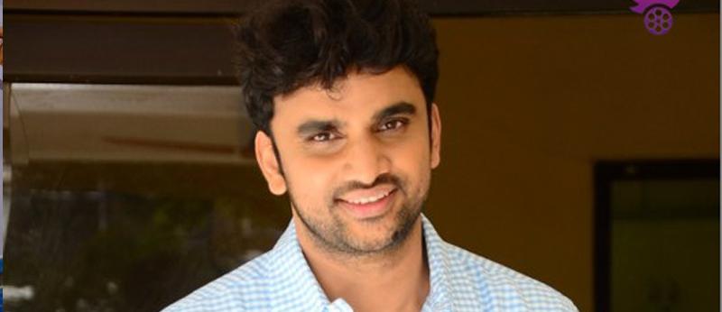 Evarikee Cheppoddu Hero Rakesh Varre Interview