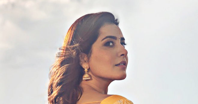 RaashiKhanna New Stills