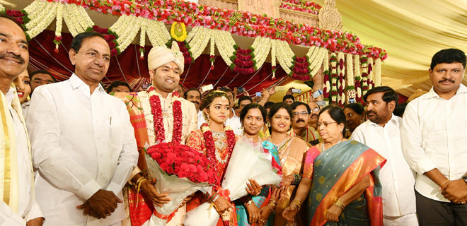 CM KCR attended to Eetala Rajender's daughter marriage with his family