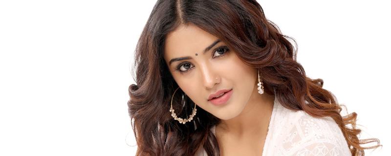 Malvika Sharma new pics