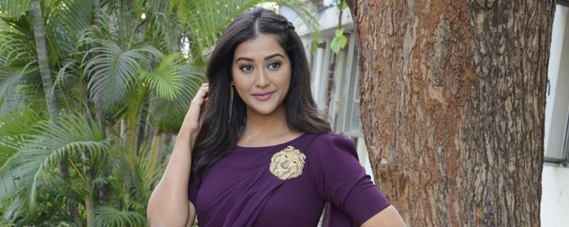 Pooja Jhaveri New Photos